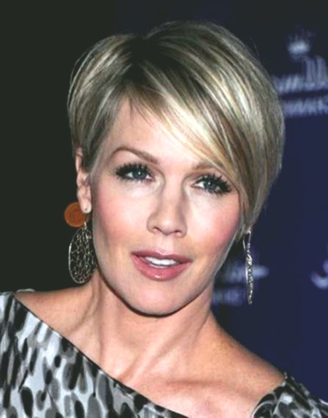 Excellent Hairstyles For Older Ladies Gallery-Best Of Hairstyles For Older Ladies Patterns