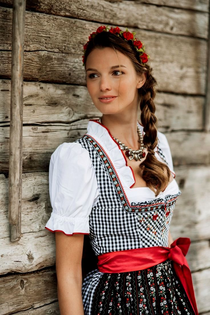 Lovely Simple Oktoberfest Hairstyles To Make Yourself Background-Cute Simple Oktoberfest Hairstyles To Make Your Own Collection