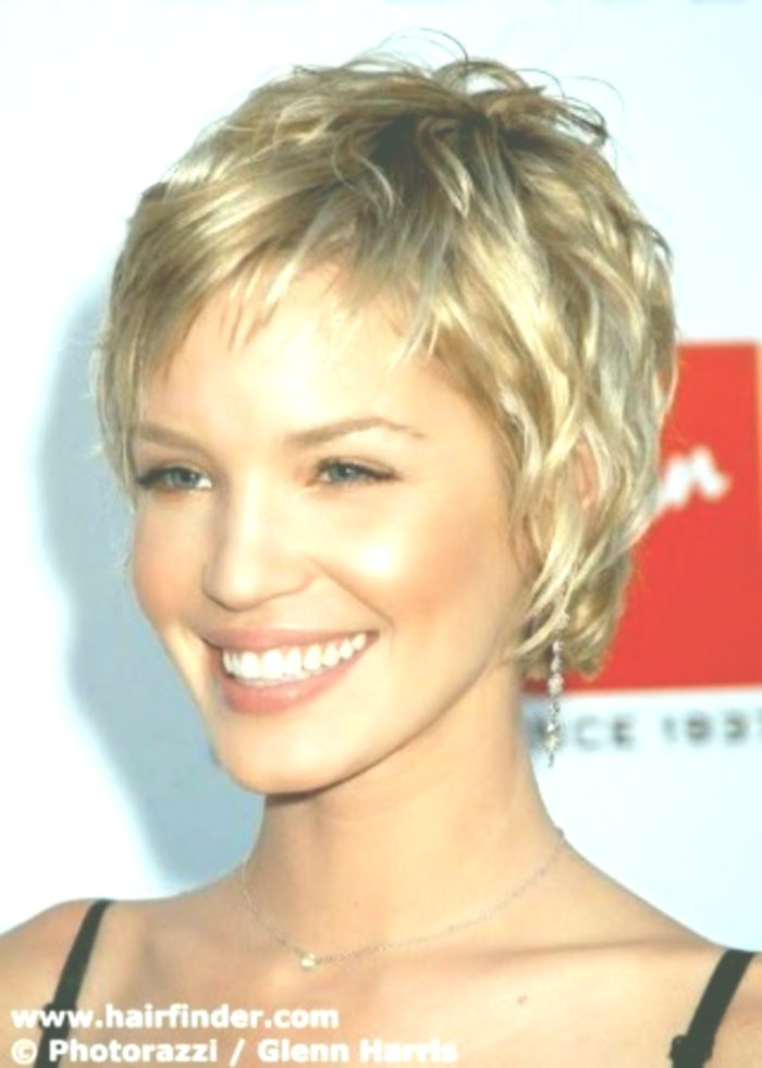 upwards hairstyle behind short front long portrait long Beautiful hairstyle behind short front long concepts