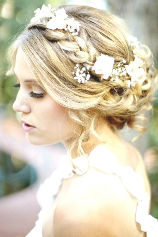 unique bridal hairstyle with flowers Photo Amazing Bridal Hairstyle With Flowers Gallery