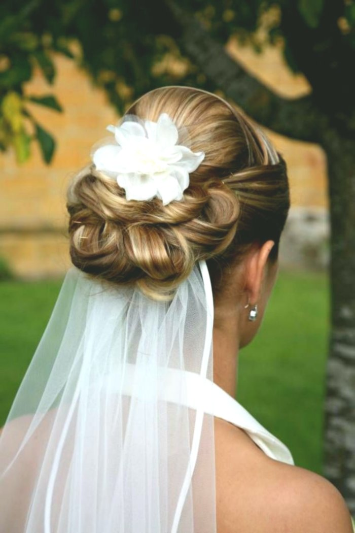 unique wedding hairstyles with flowers picture - Fantastic wedding hairstyles with flowers decoration