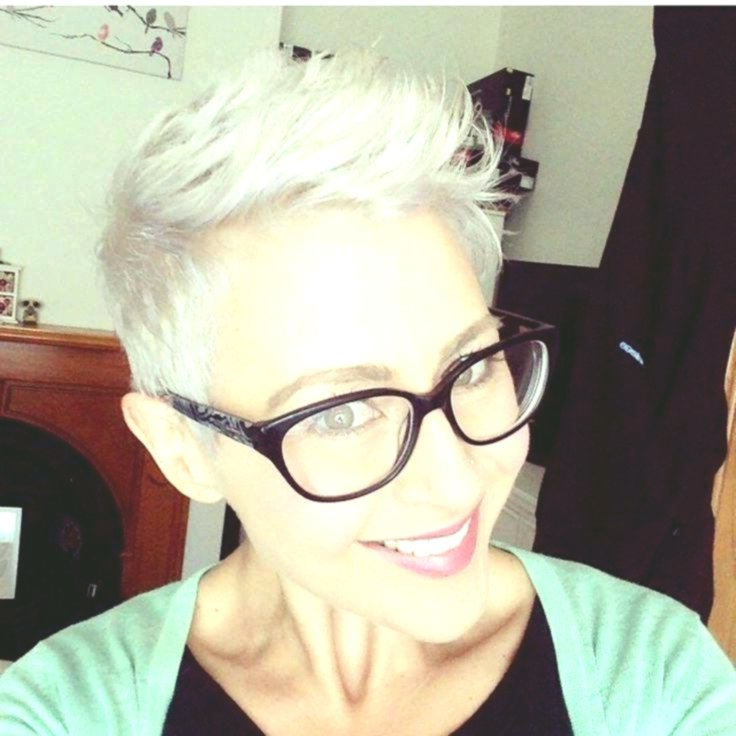 unique short hairstyles with glasses idea modern short hairstyles with glasses decoration