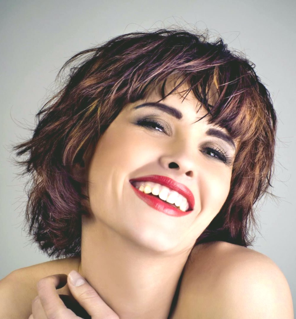 Modern Bob Hairstyle Curl Portrait Beautiful Bob Hairstyle Curls Inspiration