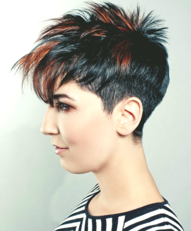 finest short hairstyles curl women's inspiration-Cute short hairstyles curls women layout
