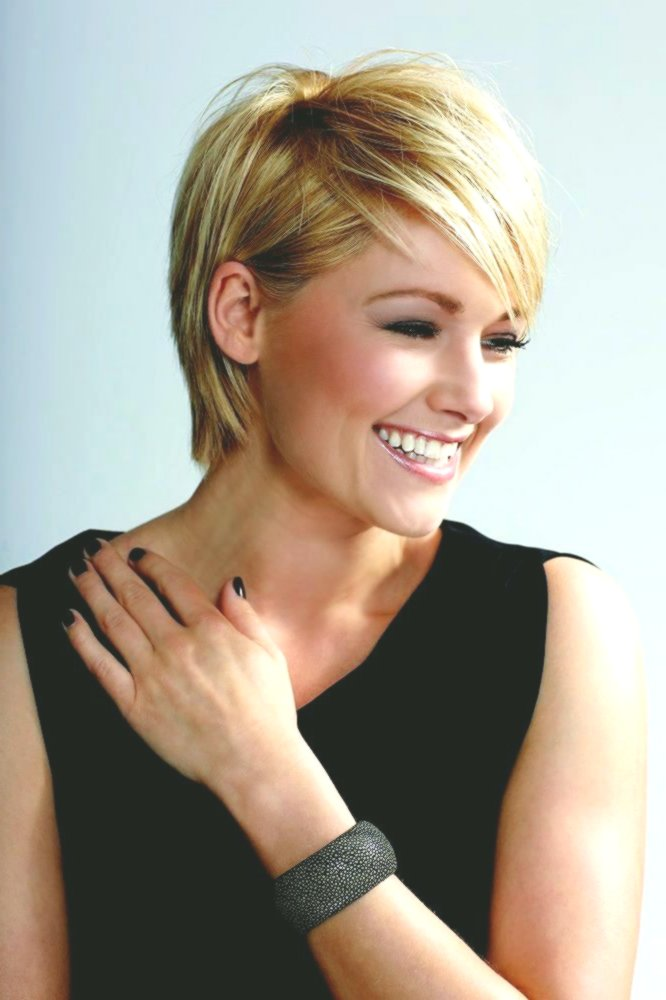 Fascinating Short Haircut for Women Background - Fascinating Short Haircut For Women Design