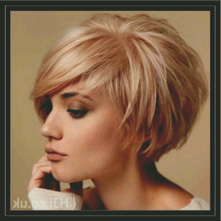Best of hairstyles Bob curls build layout Beautiful hairstyles Bob curls portrait