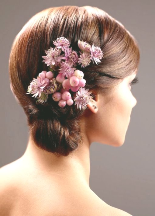 beautiful bridal hairstyle with flowers model-Amazing bridal hairstyle with floral gallery