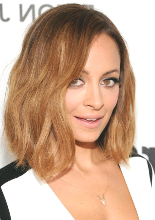latest bob hairstyles back-to-back concept-modern bob hairstyles backside tiered construction