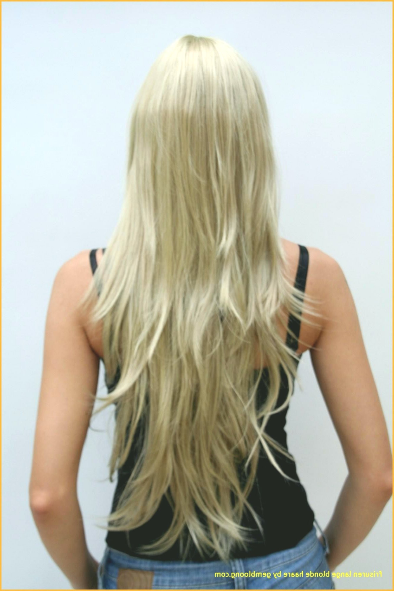 lovely medium-long hair with bangs model-Superb medium-long hair with pony layout