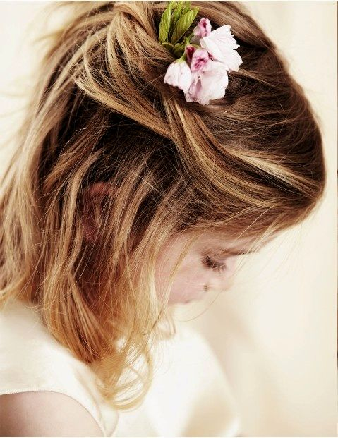 upwards flower girl hairstyles architecture-Elegant flower girl hairstyles portrait
