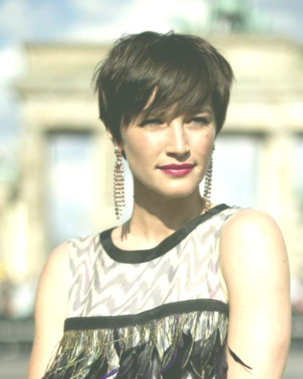finest ladies haircut photo-Awesome ladies haircut models