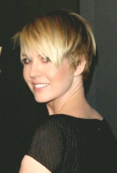 newest short hairstyles nature curls decoration-Stylish short hairstyles Naturlocken Modell