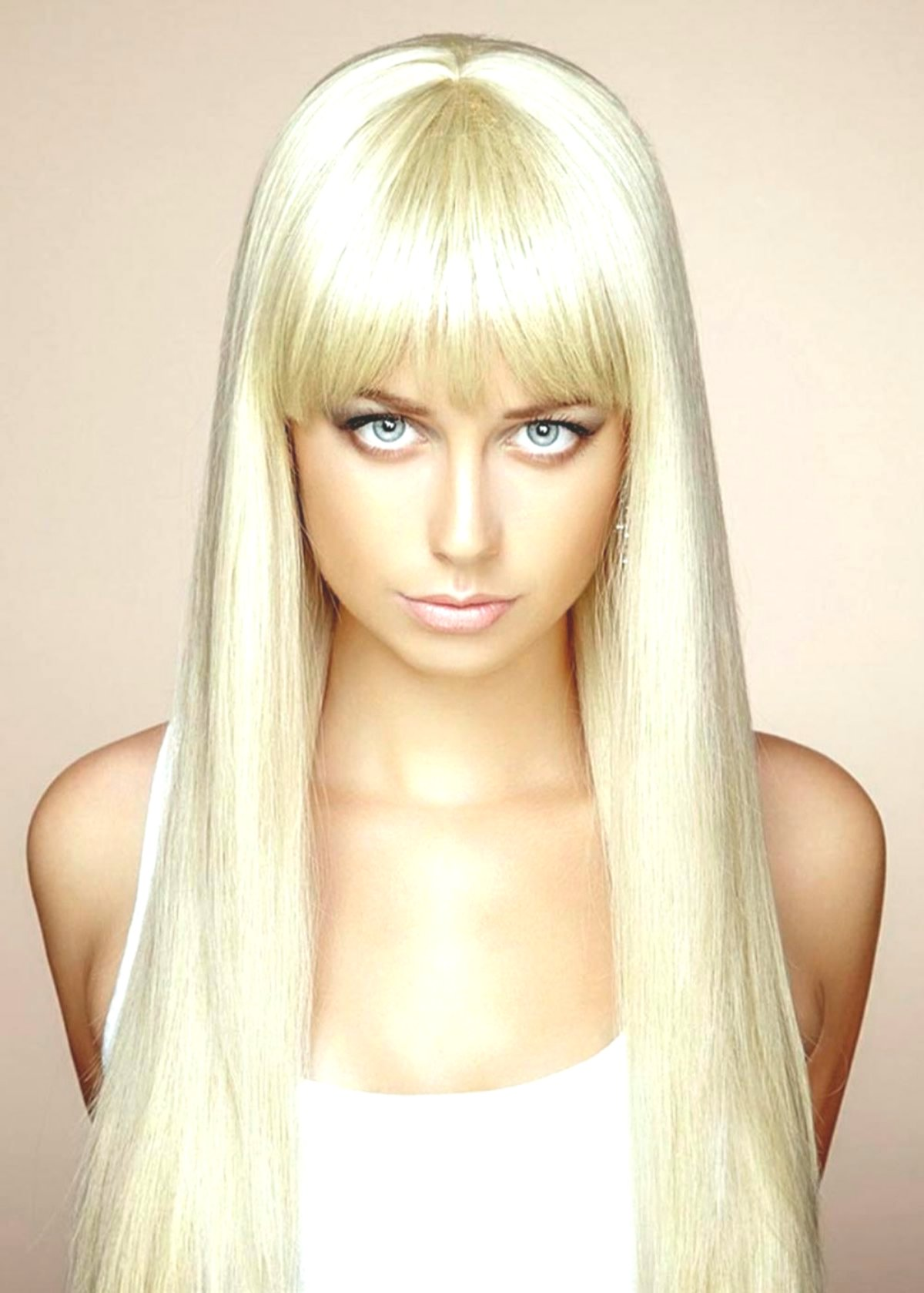 best extremely long hair model-Stylish Extremely Long Hair Inspiration