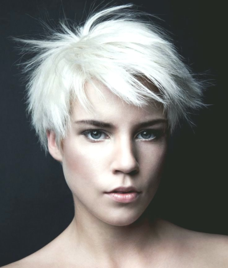 Latest Short Hairstyles Curl Women's Model-Cute Short Hairstyles Curl Women's Layout