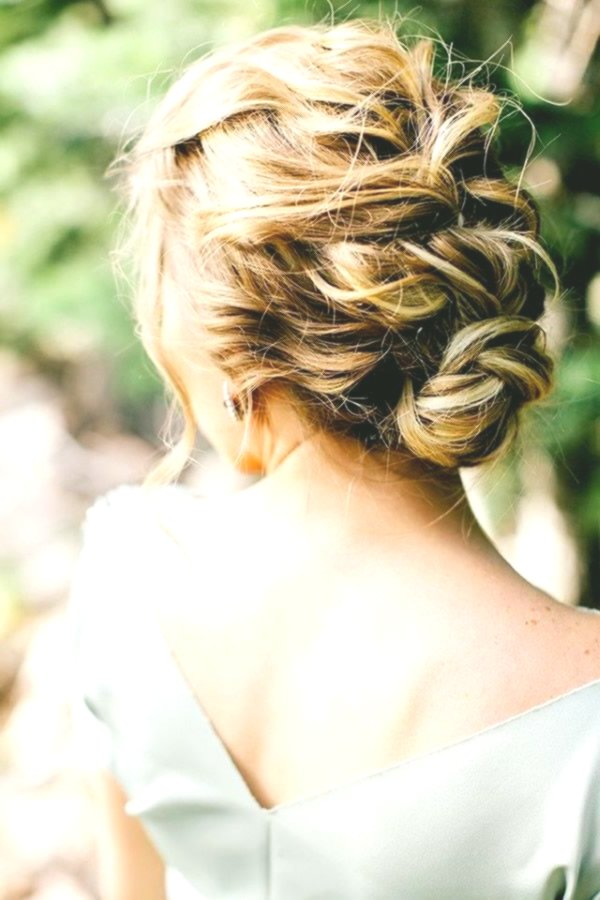 best updos for medium-length hair picture-Finest updos for medium-long hair decoration