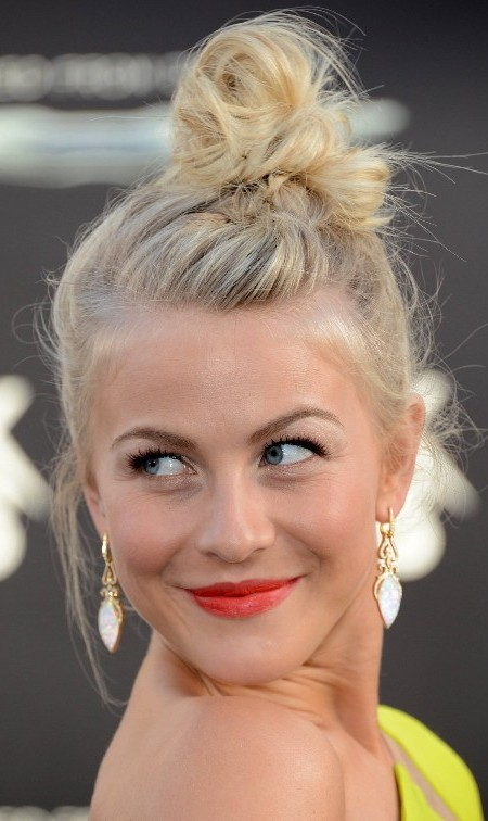 messy bun hairstyle for blonde hair