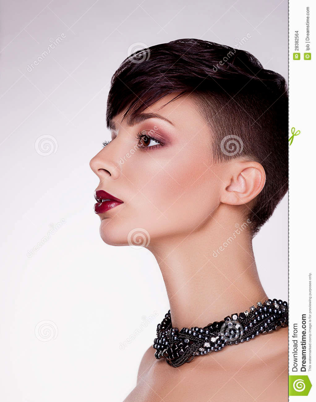 stylish pretty short hair women photo picture-Fancy Very Short Hair Women Photography