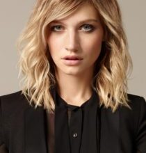 Photo of Superb ladies hairstyles shoulder-length wall