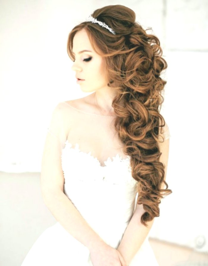 Beautiful Curly Updo Inspiration - Unique Curly Updo Model
