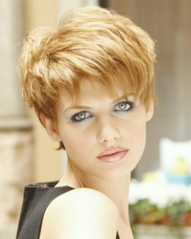 fantastic hairstyles from 50 round face decoration-Charming Hairstyles From 50 Round Face Ideas