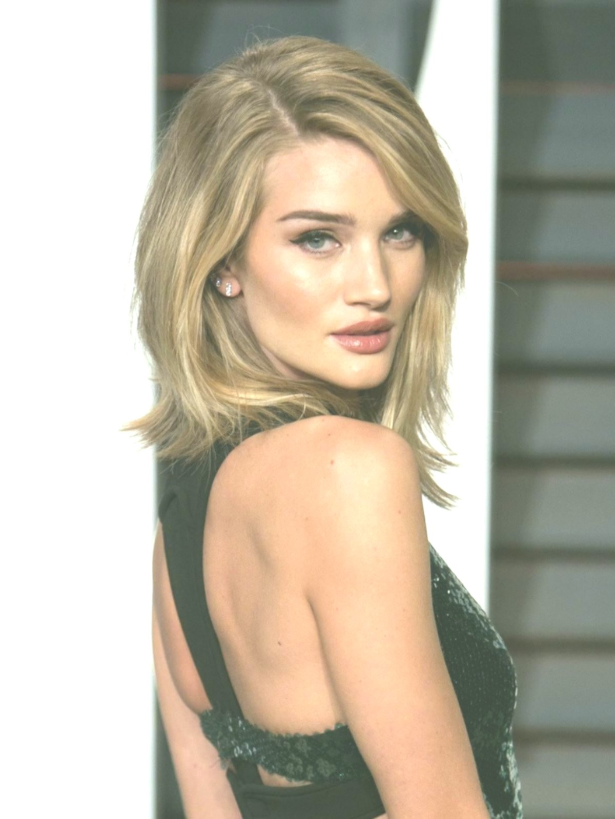 new hairstyles graded medium-length inspiration-Incredible hairstyles Tiered mid-length photo