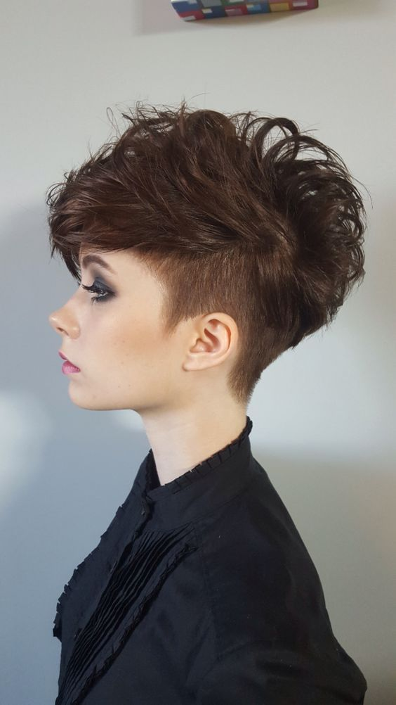 10 Trendy Pixie Hair Cut Pics für Blondinen & Brünetten