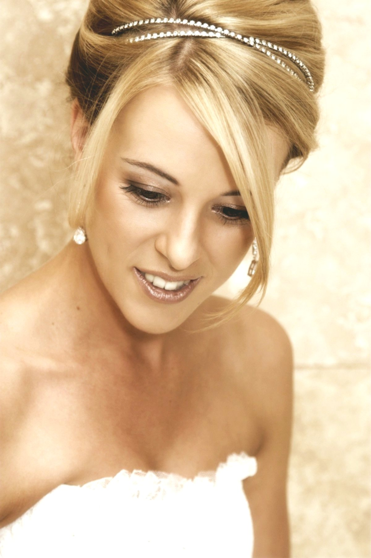 Excellent Short Hair With Pony Background - Luxury Short Hair With Pony Portrait