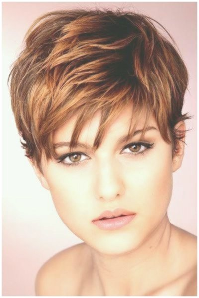 amazingly awesome short hairstyles for wearers of glasses photo picture Best Short Hairstyles for eyeglass wearers Ideas