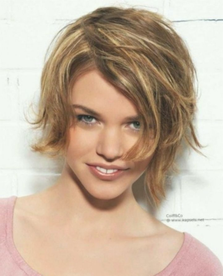 modern hairstyles medium-length women's gallery-Modern hairstyles mid-length women's decoration
