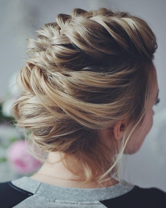 10 Stunning Up Do Frisuren - Bun Updo Frisur Designs für Frauen