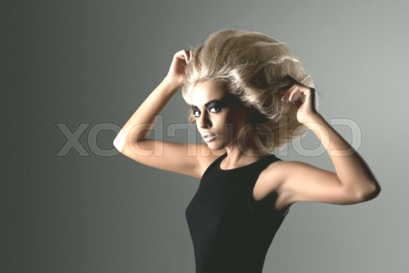 luxury round face hairstyle concept-charming round face hairstyle photography