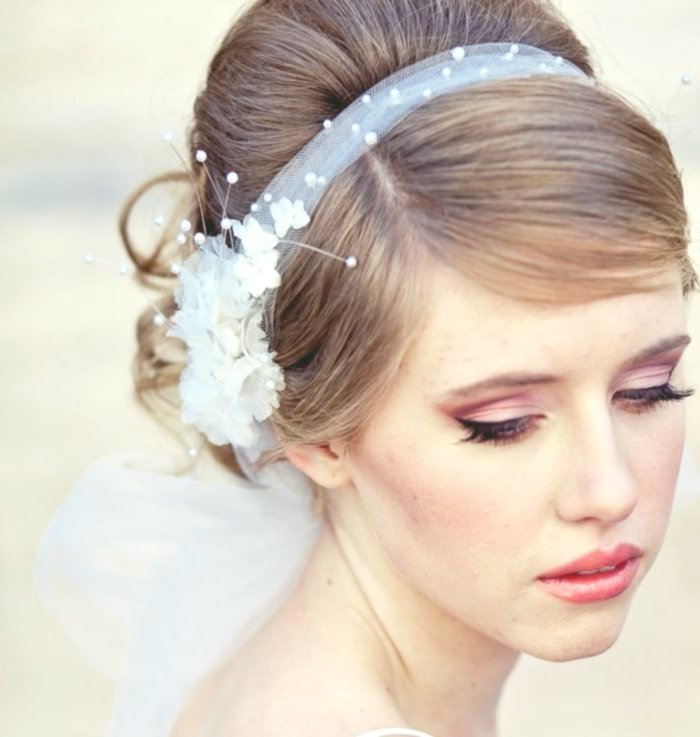 best bridal hairstyle with flowers décor-Amazing Bridal Hairstyle With Flowers Gallery