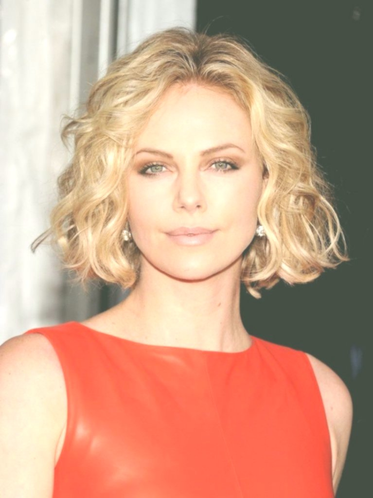 Amazing Bob Hairstyle Curls Background-Beautiful Bob Hairstyle Curls Inspiration